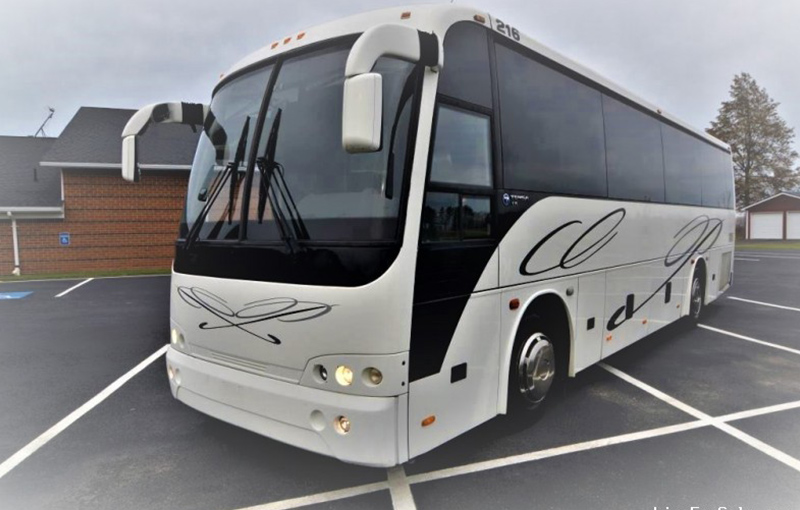 deluxe-limo-boston-partybus-36-passengers