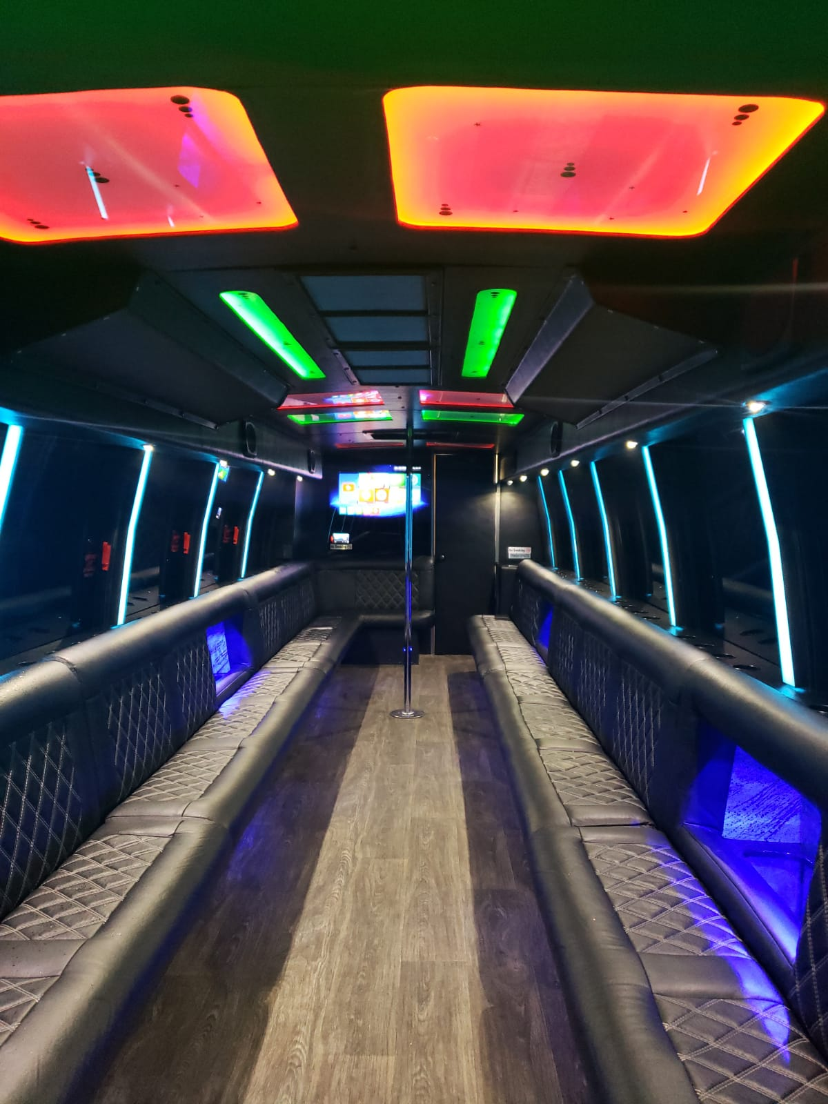 28-32 Passenger-Party-Bus-with-Dance-Pole-and-Bathroom