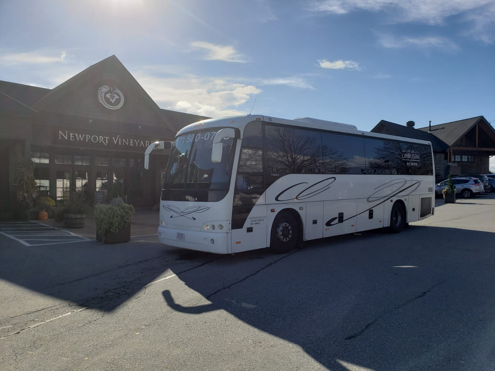 36-Passenger-Party-Bus-with-Bathroom-winery-tour